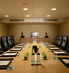 Meeting venue in O'Hare International Airport with conference rooms available to hire.