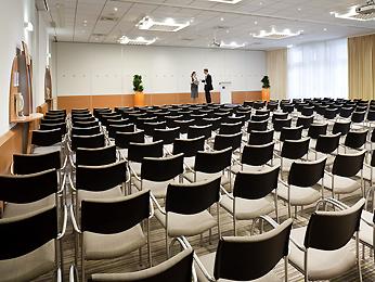 Novotel Zurich Airport Messe meeting rooms