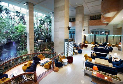 Busan Lotte Hotel meeting rooms