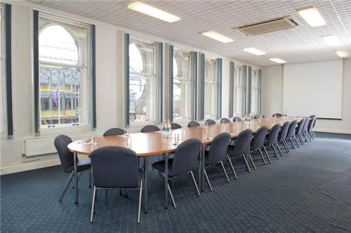 IET Glasgow: Teacher Building meeting rooms