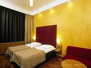 Clarion Hotel Santa Claus meeting rooms