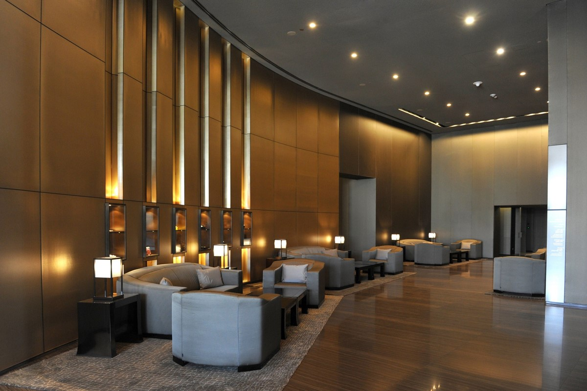 Meeting rooms at armani hotel dubai burj khalifa burj for Dubai hotel interior design