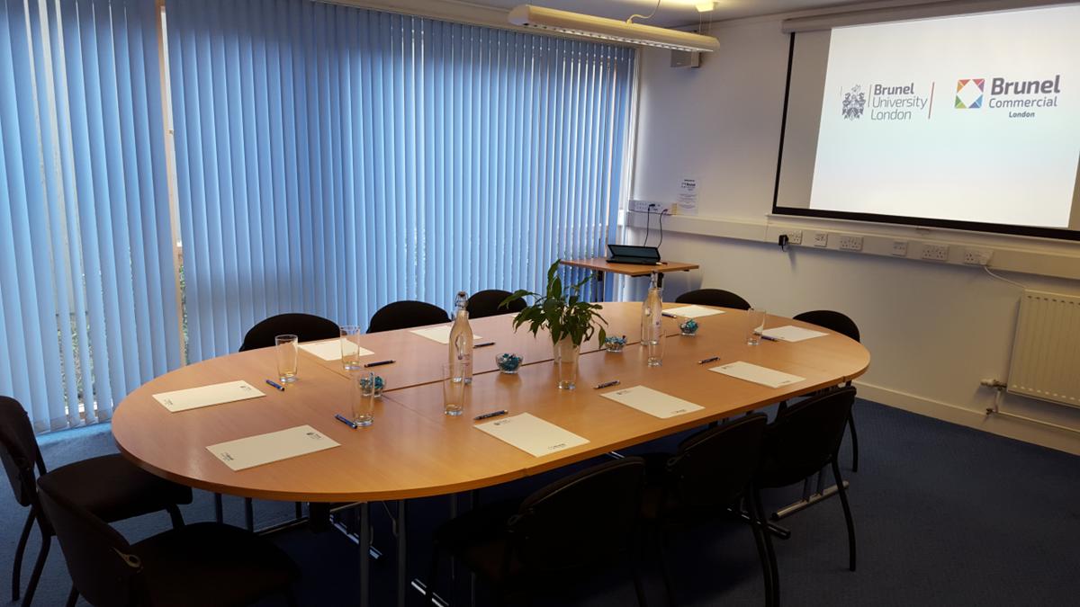 Office furniture uxbridge - Bishop Conference Suite