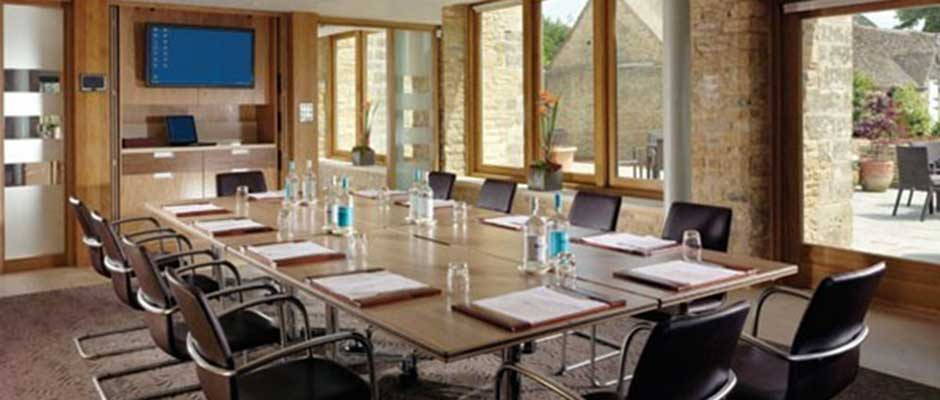 For Just 402 You Can Book The Henry Room At Calcot Manor In Pleasant