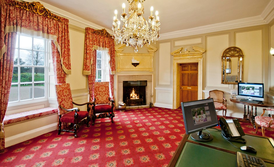 Meeting rooms at champneys resort tring chesham road - Tring swimming pool opening times ...