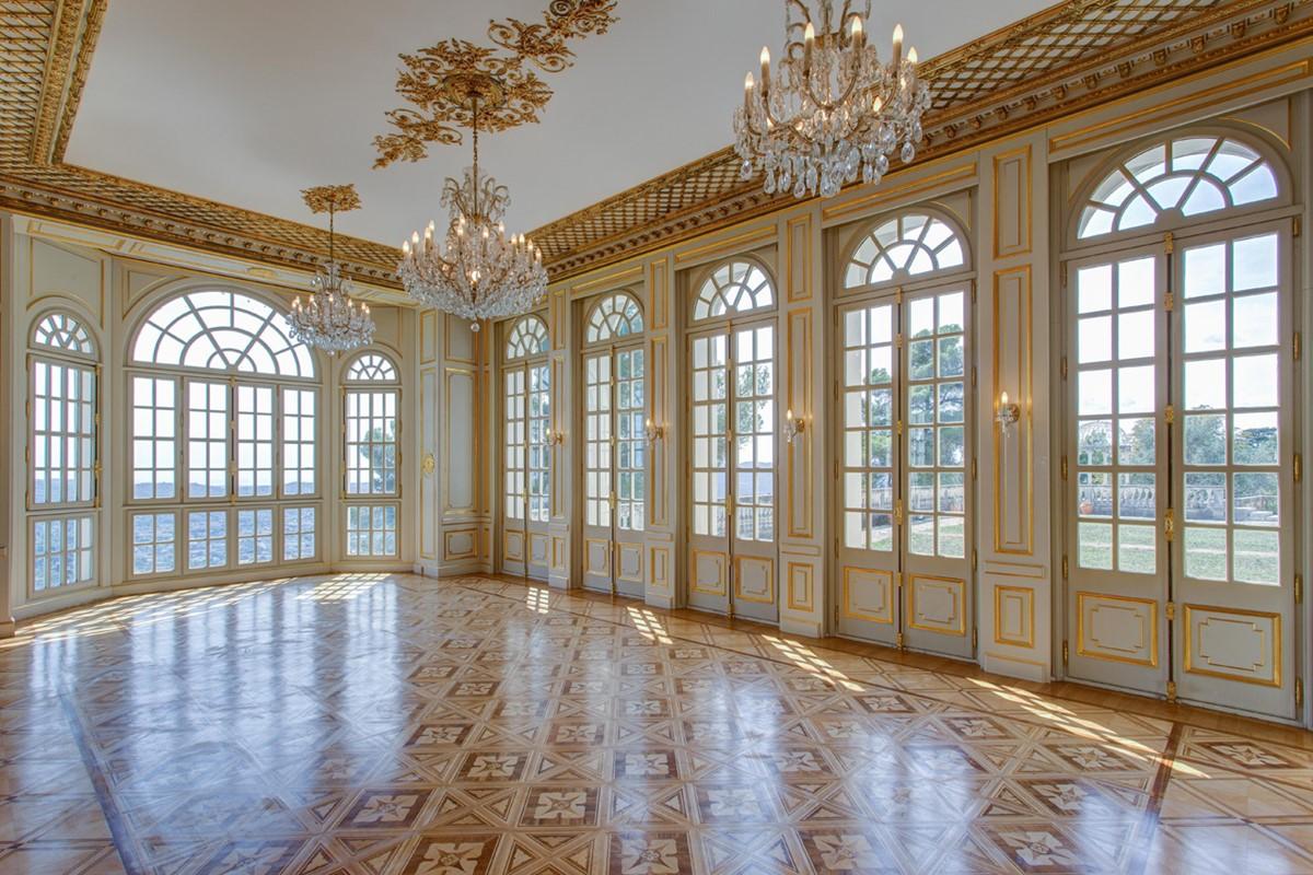 Meeting rooms at chateau saint georges avenue francis de for Salon a la francaise