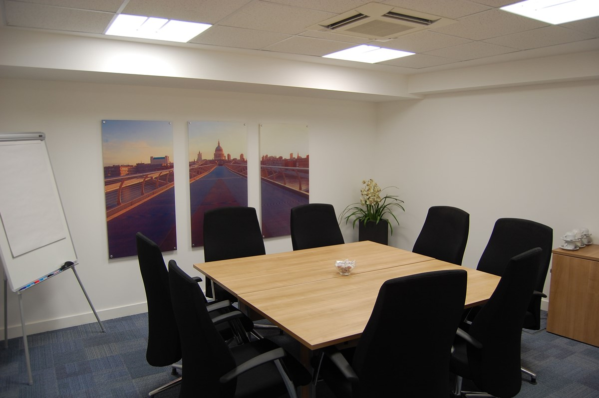 Meeting Rooms At Longcroft House Business Centre