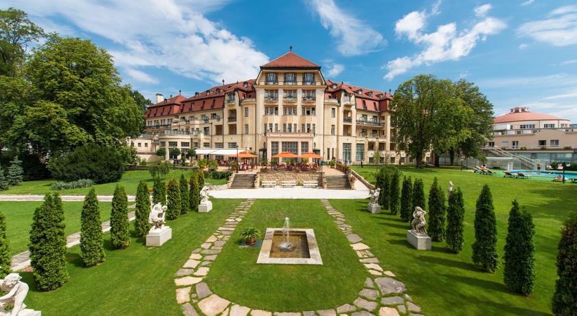 Danubius Health Spa Resort Thermia Palace meeting rooms