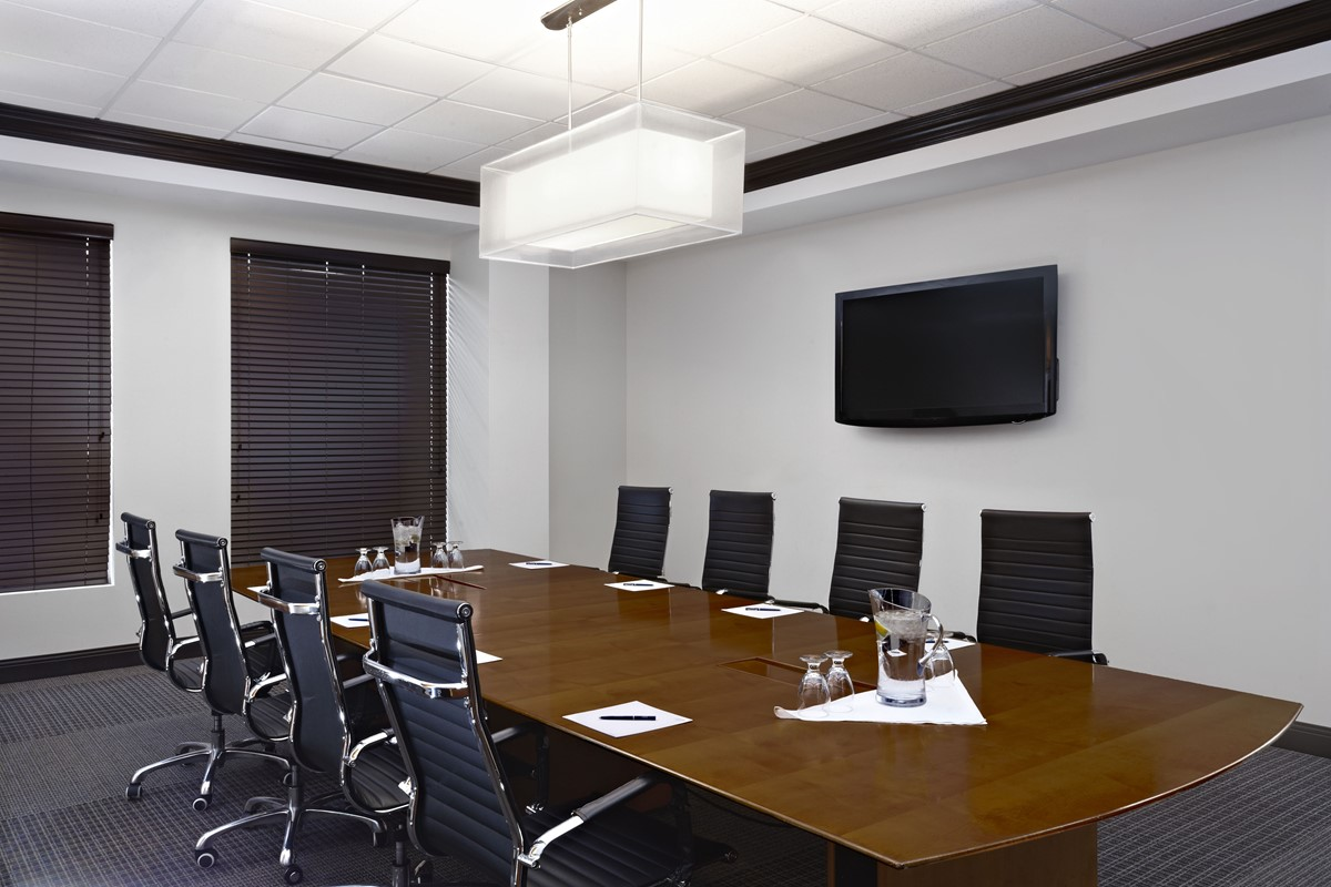 Four Points by Sheraton Hotel & Suites meeting rooms