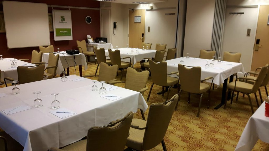 meeting northamptonshire room Best function room hire and venues in northamptonshire including halls for hire and hotel conference venues find function rooms in northamptonshire through event.
