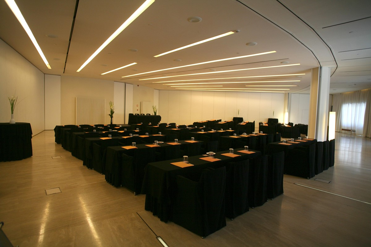 Meeting rooms at hotel silken puerta america madrid for Hotel america madrid