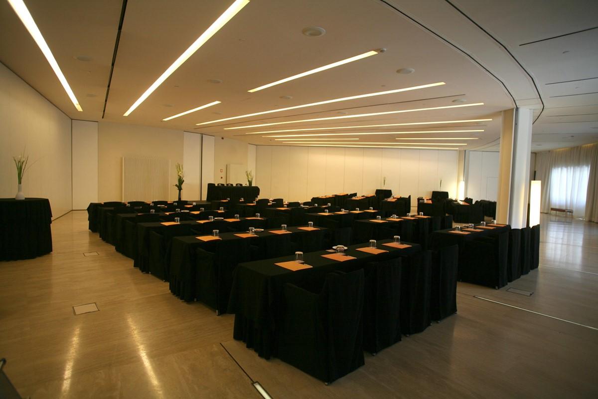 Meeting rooms at hotel silken puerta america madrid for Hotel silken puerta america plantas