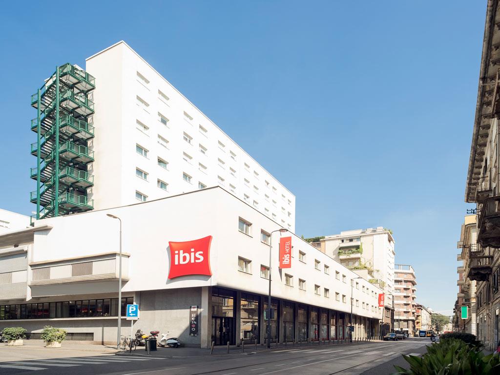 Meeting rooms at ibis hotel milan centro via camillo for Hotel centro