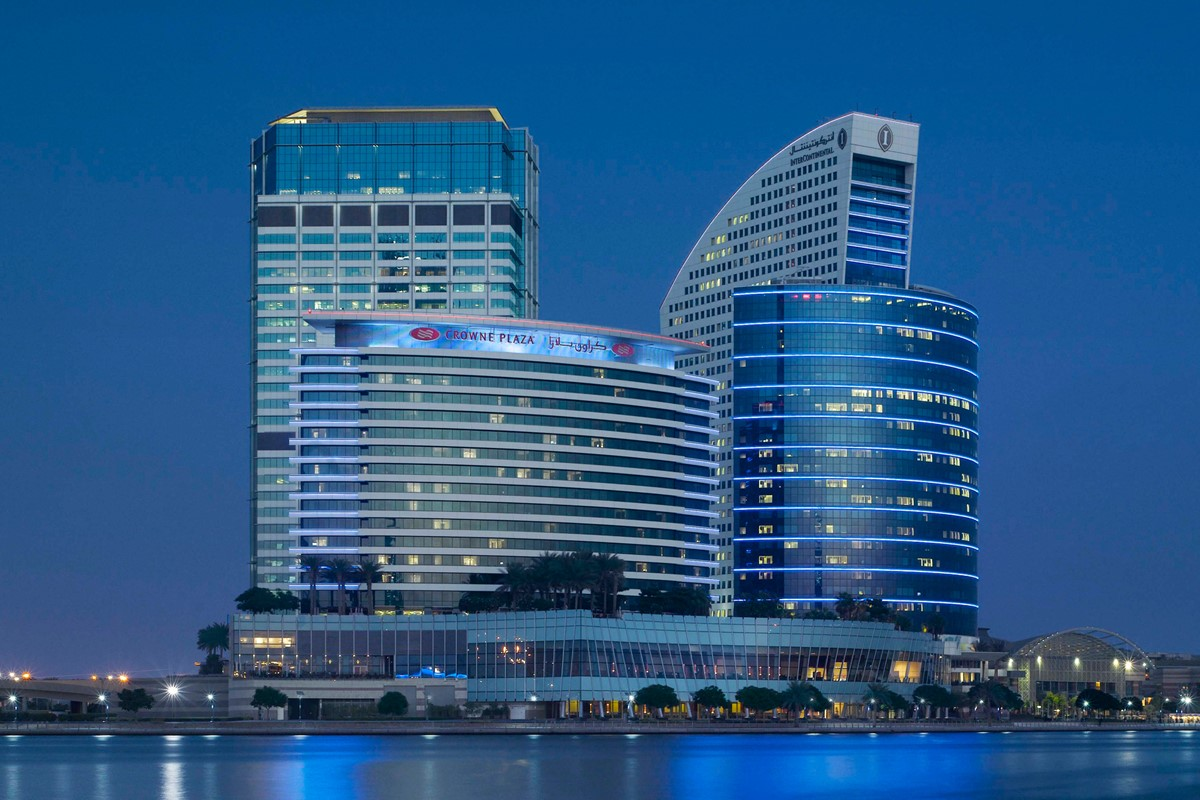 Meeting rooms at intercontinental dubai festival city for Big hotel in dubai