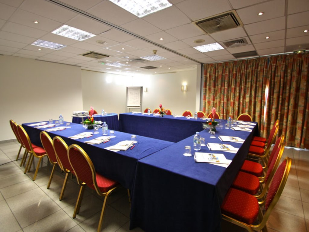 La Valmeniere Hotel meeting rooms
