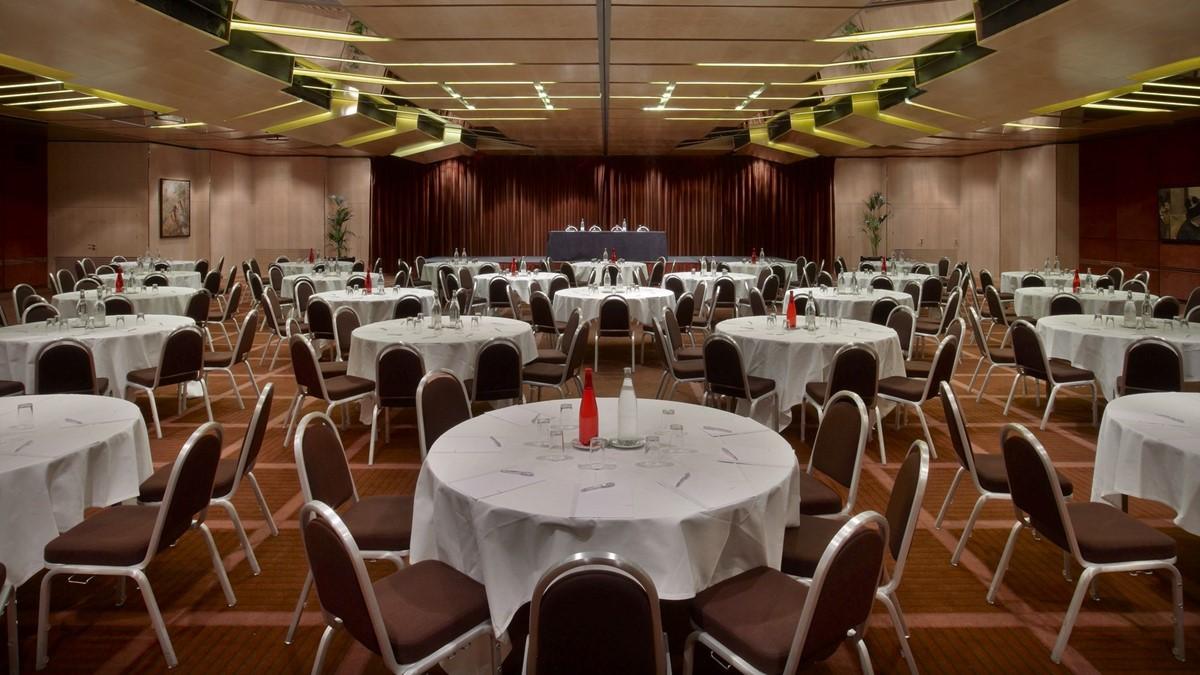 Le Meridien Etoile meeting rooms