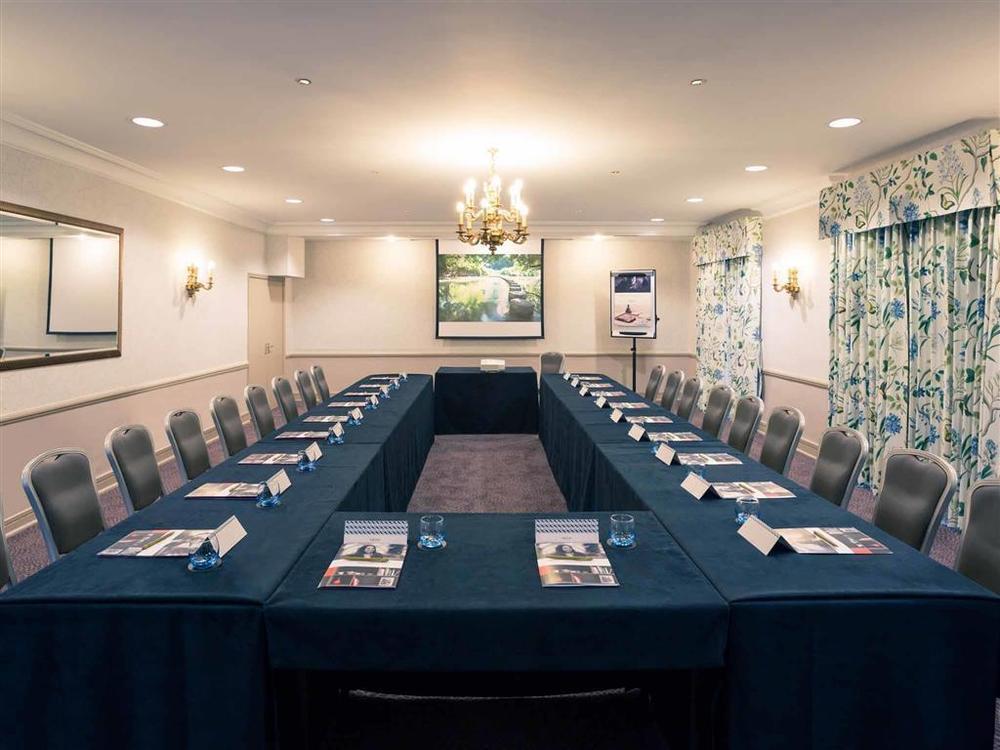 Meeting Rooms At Mercure Burford Bridge Box Hill  Mercure