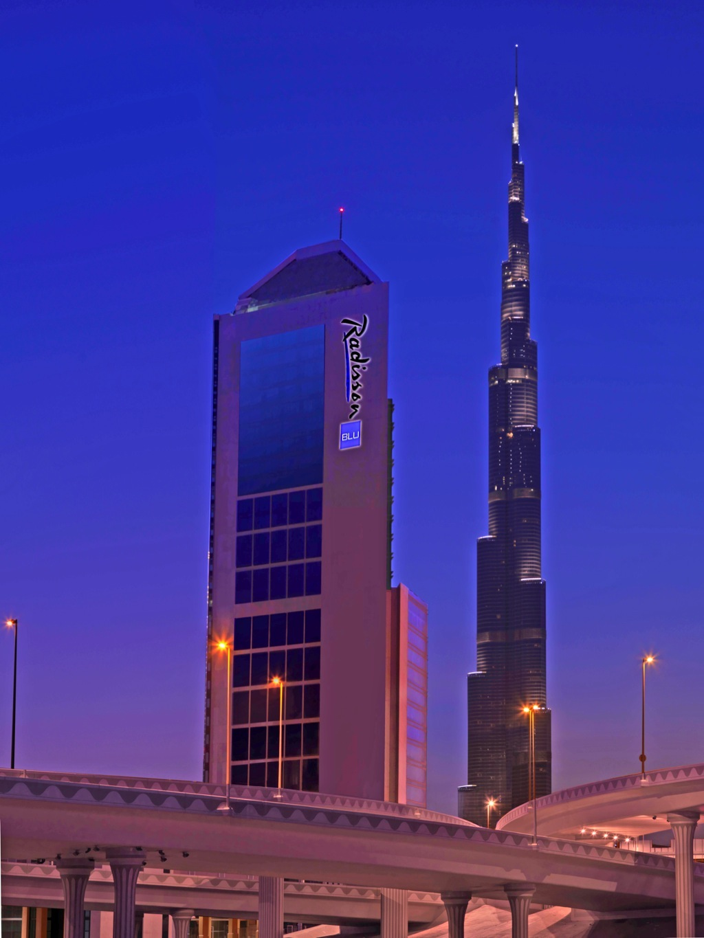 Meeting rooms at m hotel downtown by millennium radisson for Hotels in downtown dubai