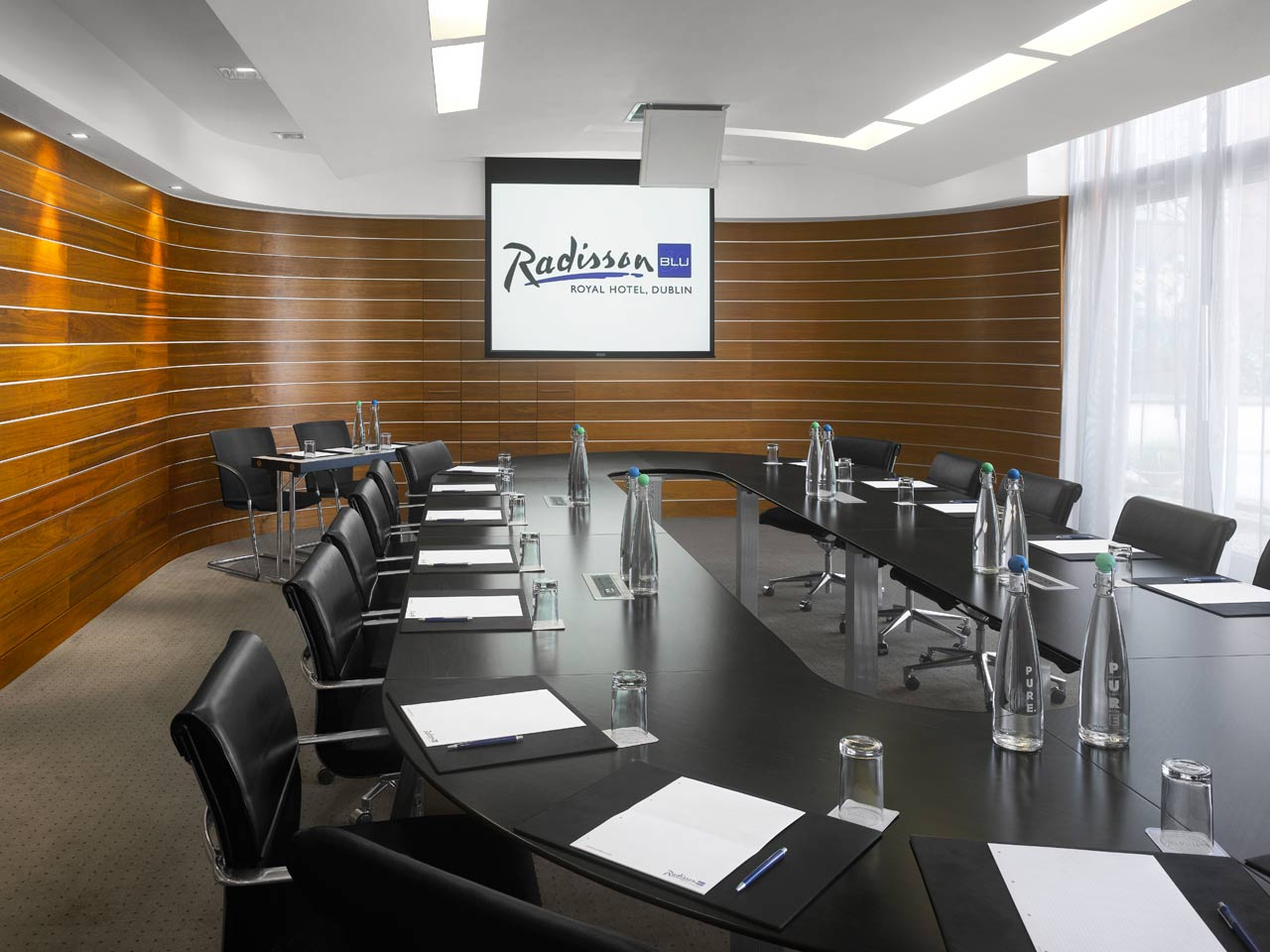 meeting rooms at radisson blu royal hotel dublin radisson blu royal hotel dublin dublin. Black Bedroom Furniture Sets. Home Design Ideas