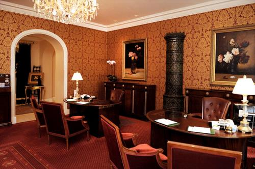 Grand Palace Hotel meeting rooms