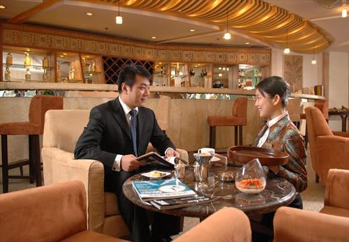 Gloria Plaza Hotel meeting rooms