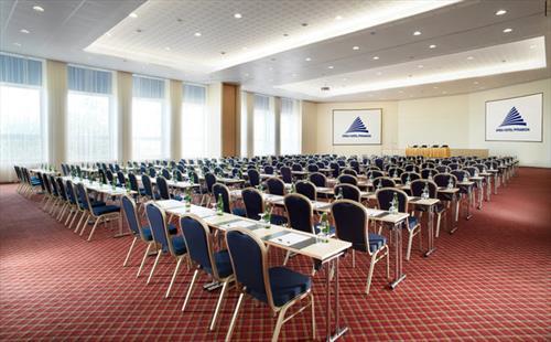 Orea Hotel Pyramida meeting rooms
