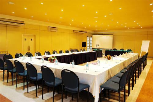 Browns Beach Hotel meeting rooms