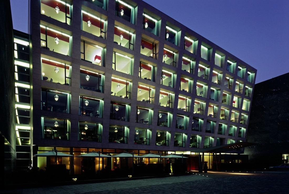 Duesseldorf International Airport (DUS) Hotel | Courtyard